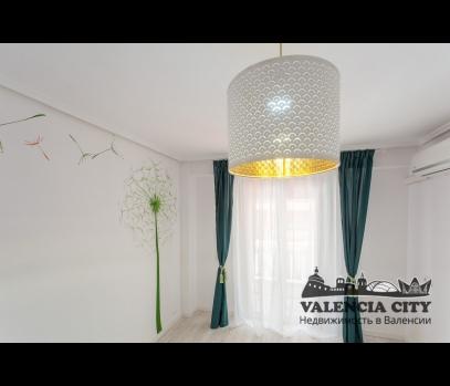 Продается квартира после ремонта в  Валенсии, Испания