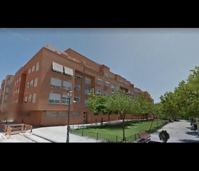 Продажа квартиры по низкой цене в спальном районе Валенсии