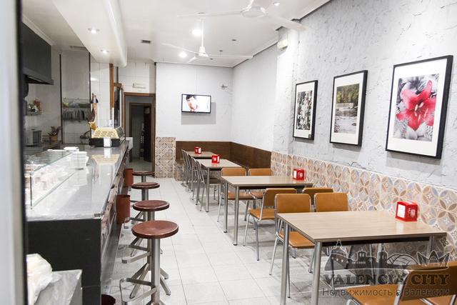Продаётся помещение с действующим баром в Валенсии