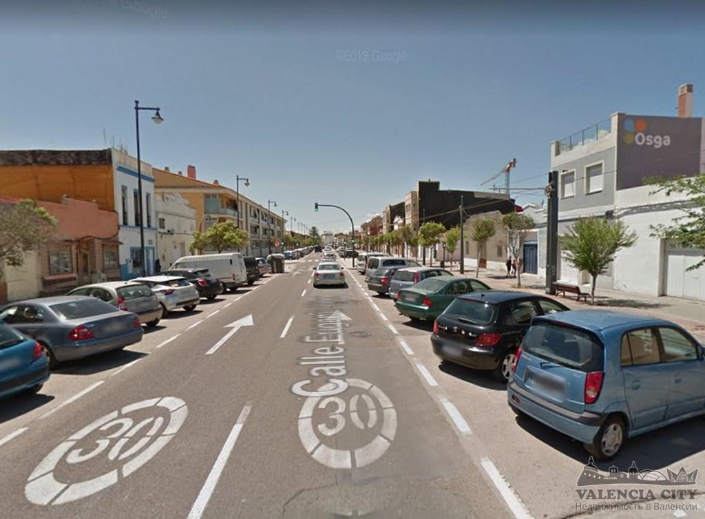 Участок на первой линии пляжа в Валенсии под строительство