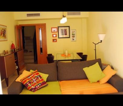 Двухуровневая квартира рядом с пляжной зоной в Валенсии