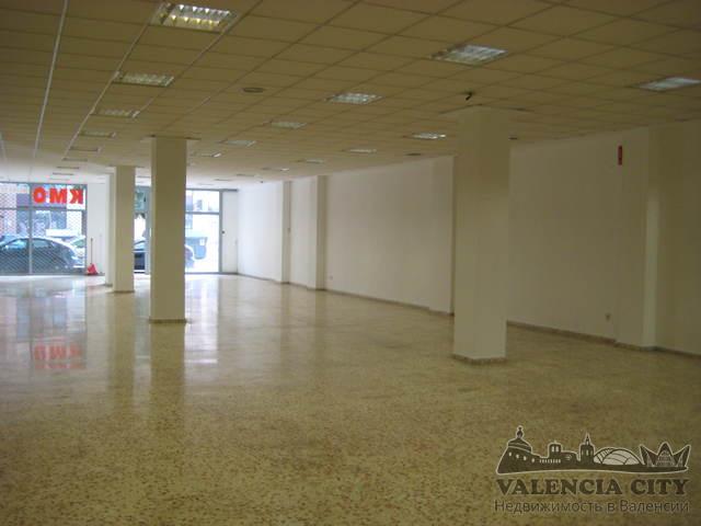 Большое коммерческое помещение с ремонтом в Валенсии