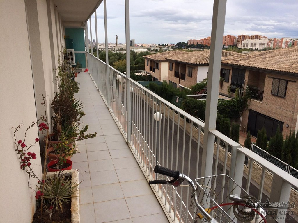 Аренда квартиры с ремонтом и мебелью в пригороде Валенсии