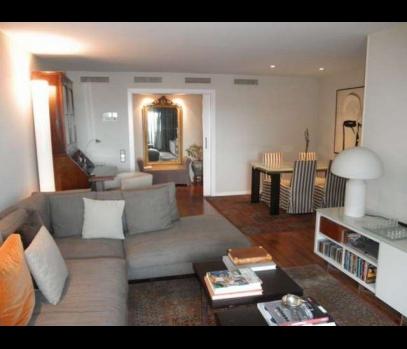 Продаётся элитная квартира рядом с парком Турия в Валенсии