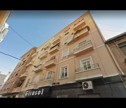 Продажа здания рядом с морем и пляжем под гостиницу в Валенсии