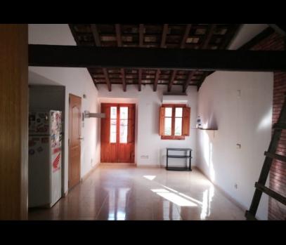 Продаётся здание с ремонтом в самом центре Валенсии, Испания