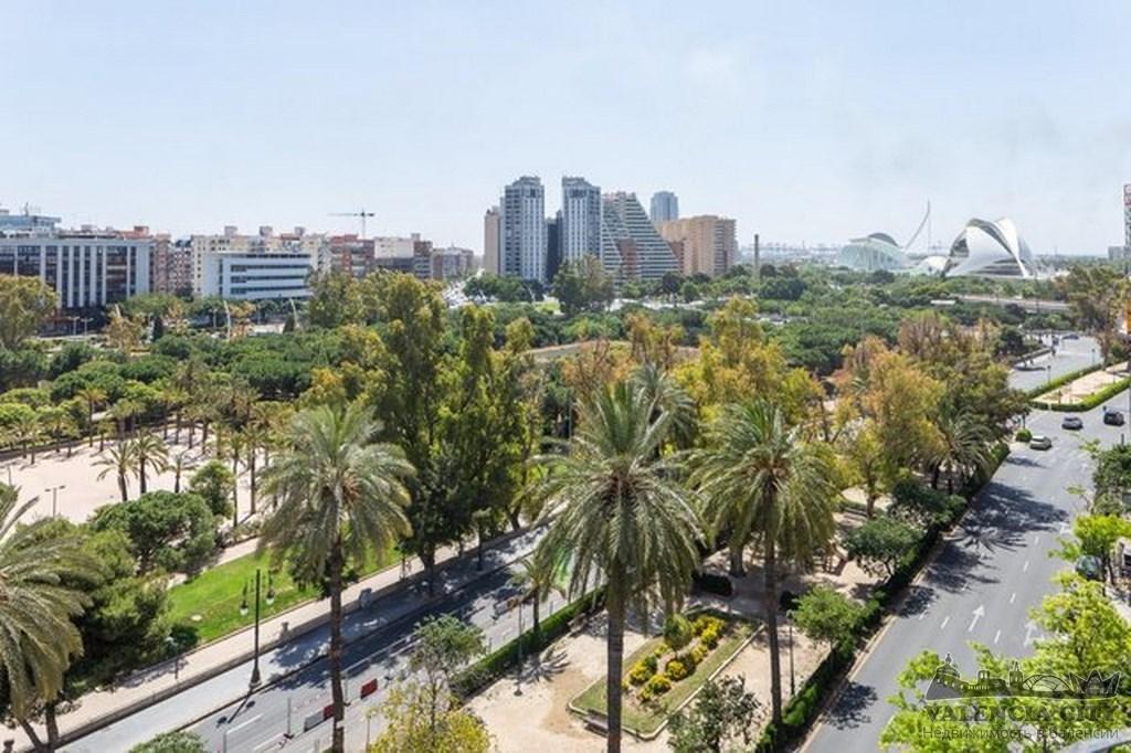 Продаётся квартира класса люкс рядом с парком Турия в Валенсии