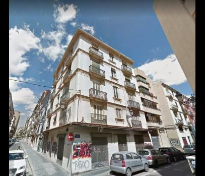 Здание с квартирами на продажу в центре Валенсии, Испания