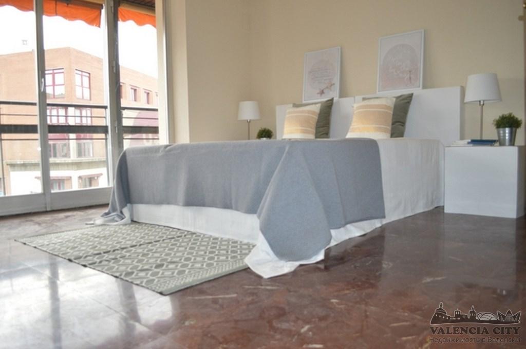 Элитная квартира под ремонт на главной улице Валенсии, Испания
