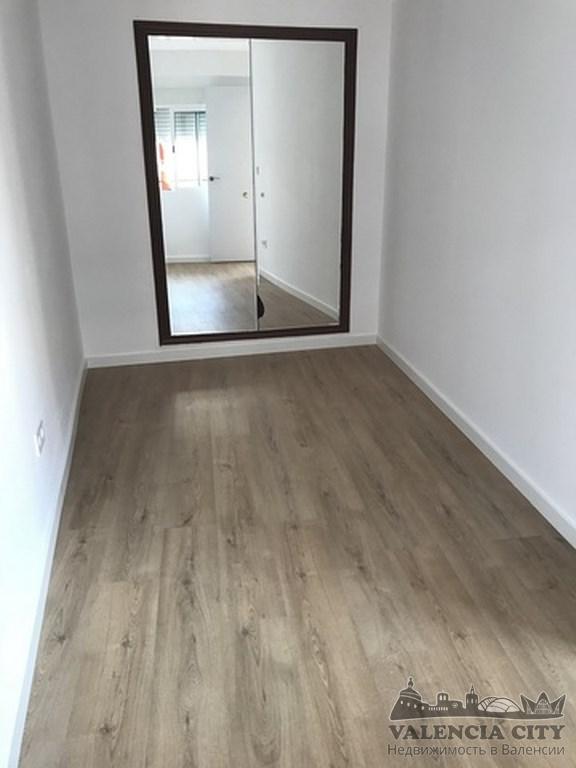 Бюджетная квартира после ремонта в пригороде Валенсии, Испания