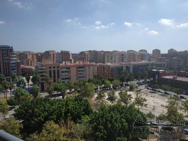 Продажа дюплекса с бассейном в новостройке в Валенсии, Испания