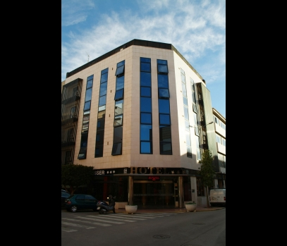 Продается отель в центре города Бенетуссер, Валенсия