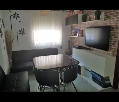 Бюджетная квартира с ремонтом в спальном районе в Валенсии, Испания