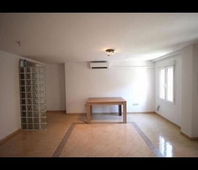Продаётся квартира с ремонтом рядом с морем в Валенсии