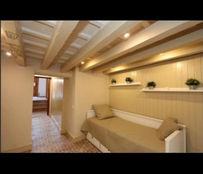 Бюджетная квартира с ремонтом в центре Валенсии
