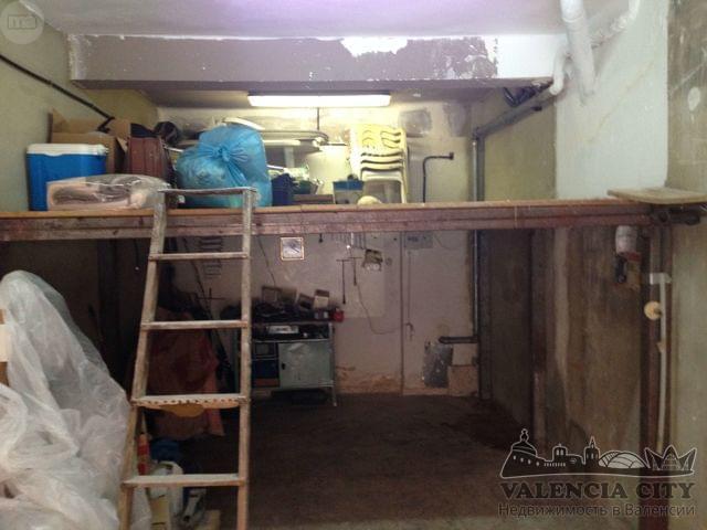 Аренда коммерческого помещения в спальном районе в Валенсии