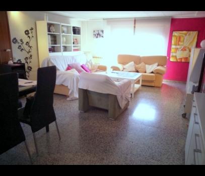 Продажа просторной квартиры в районе Бенимаклет в Валенсии