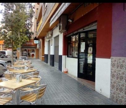 Продажа оборудованного ресторана в районе Tres Forques, Валенсия
